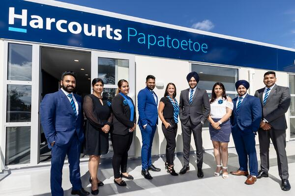 Papatoetoe official photo
