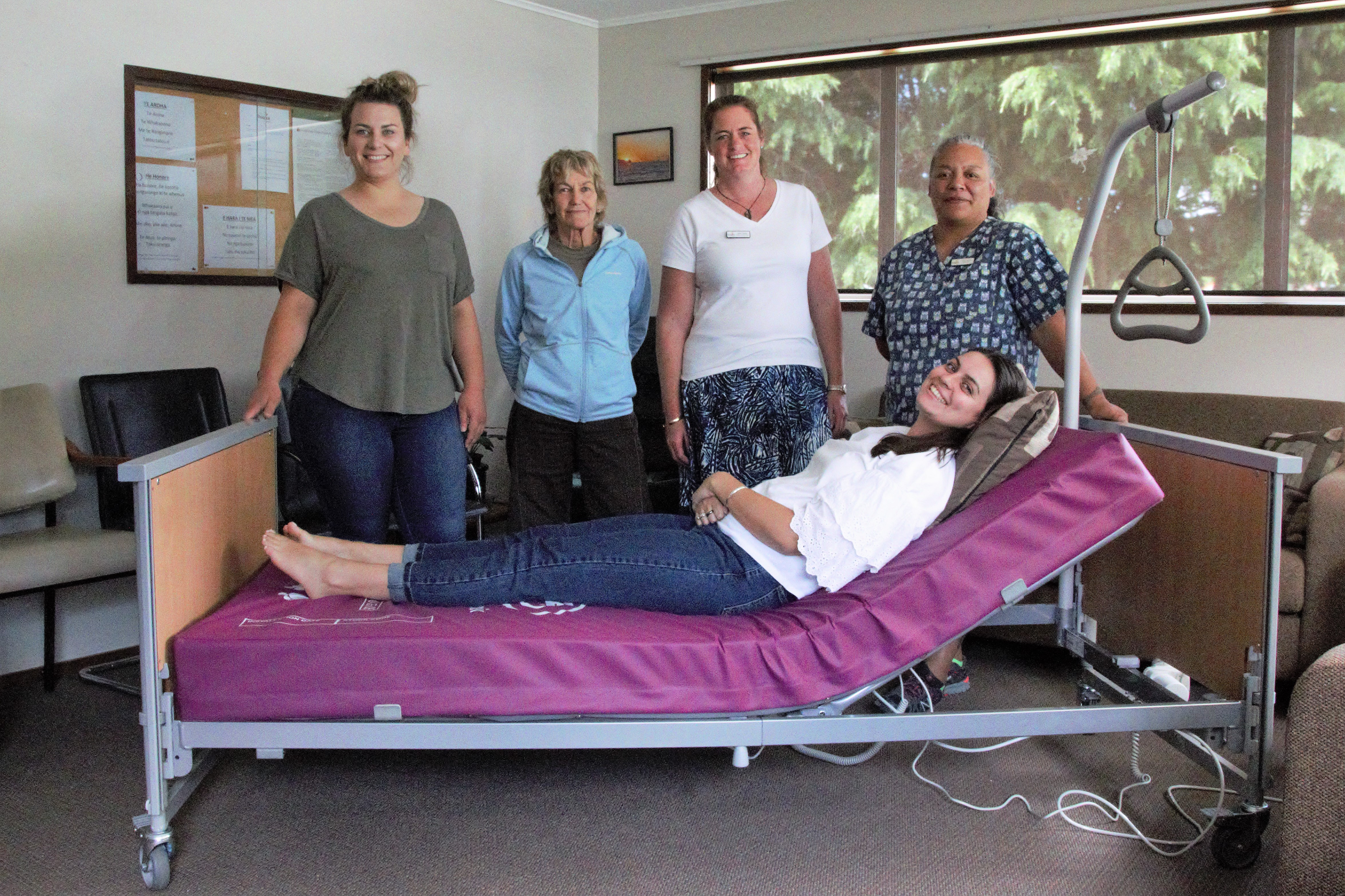 Harcourts Nelson helps Nelson Tasman Hospice buy two beds for new facility